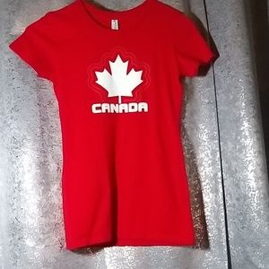 💥REDUCED💥Red 100% Cotton Canada tee